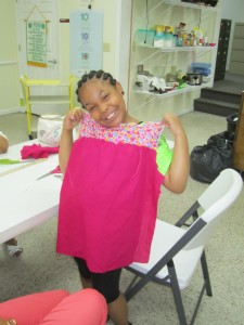 4-H'er in Sewing Class